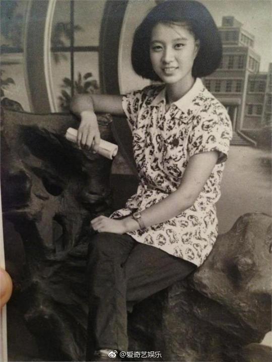 Cận cảnh nhan sắc bà nội của Phạm Băng Băng: Chỉ có thể thốt lên Đẹp di truyền - Ảnh 2.