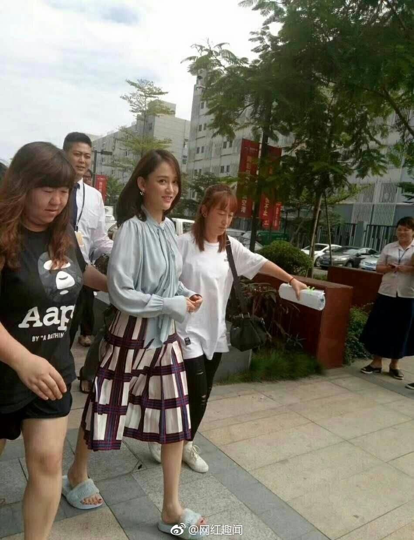 Nhan sắc U40 vẫn trẻ trung của Trần Kiều Ân: Ảnh chụp của team qua đường thôi cũng đẹp nao lòng - Ảnh 2.