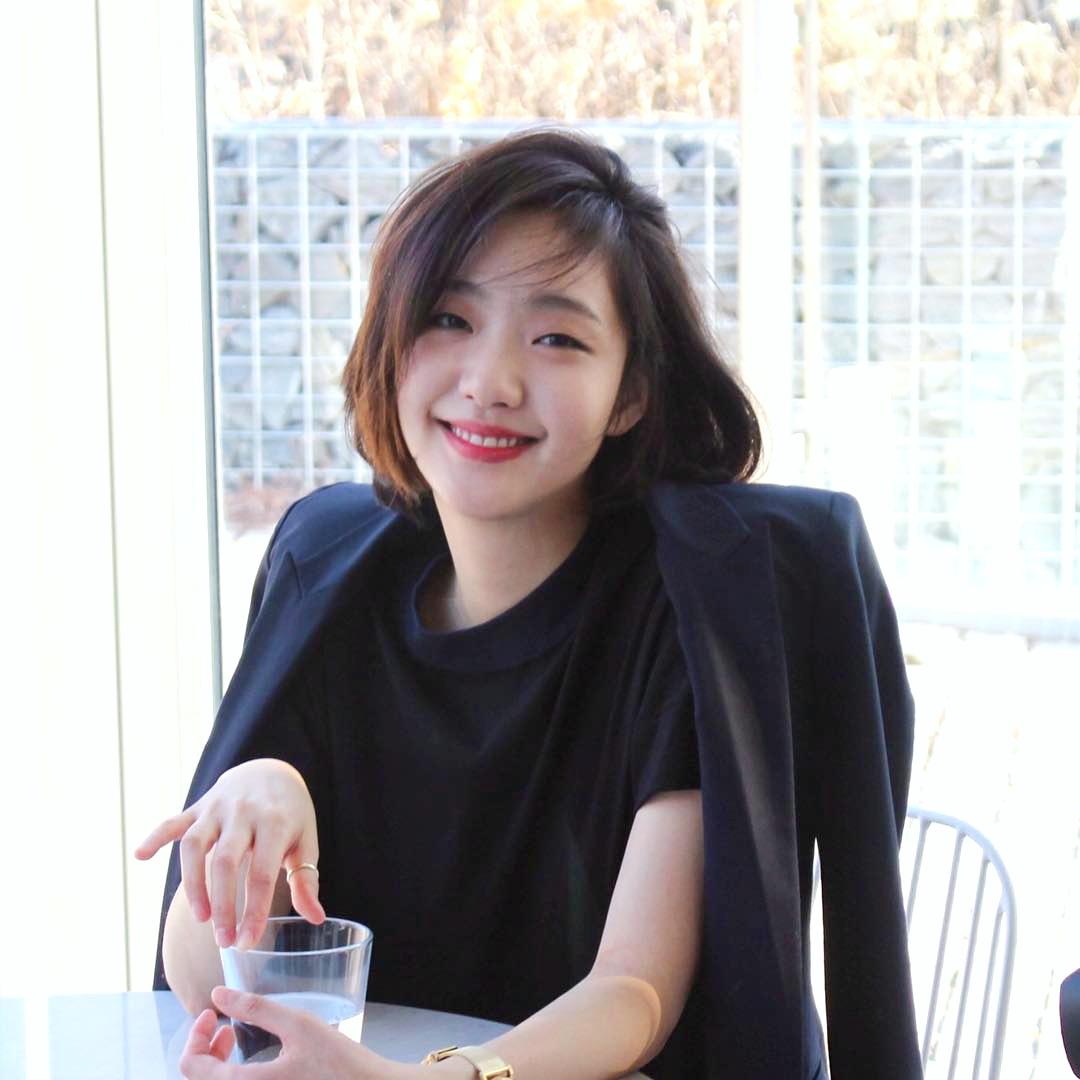 Trước bị chê xấu, nữ diễn viên Goblin Kim Go Eun đột ngột gây chú ý vì quá xinh đẹp - Ảnh 9.