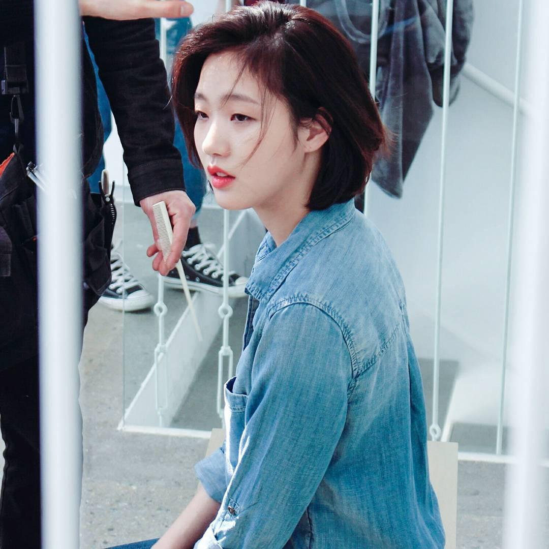 Trước bị chê xấu, nữ diễn viên Goblin Kim Go Eun đột ngột gây chú ý vì quá xinh đẹp - Ảnh 7.