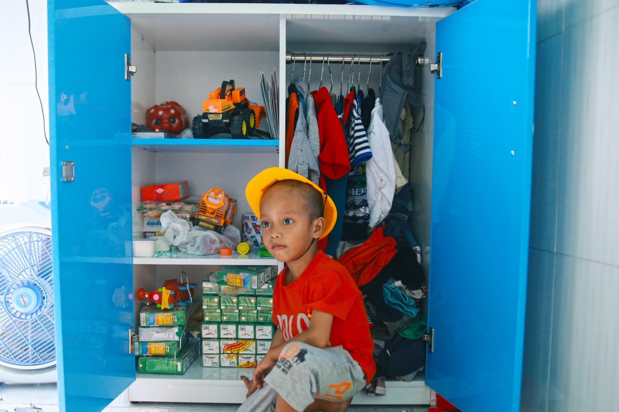 Chuyện về chiếc tủ màu xanh chứa đầy kho báu của cậu nhóc ve chai Thành Đạt - Ảnh 3.