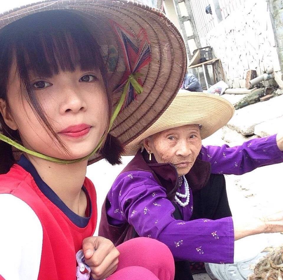 Người bà tuyệt nhất thế gian: 75 tuổi vẫn chắt chiu từng đồng bạc lẻ nuôi cháu vào Đại học Hà Nội - Ảnh 3.
