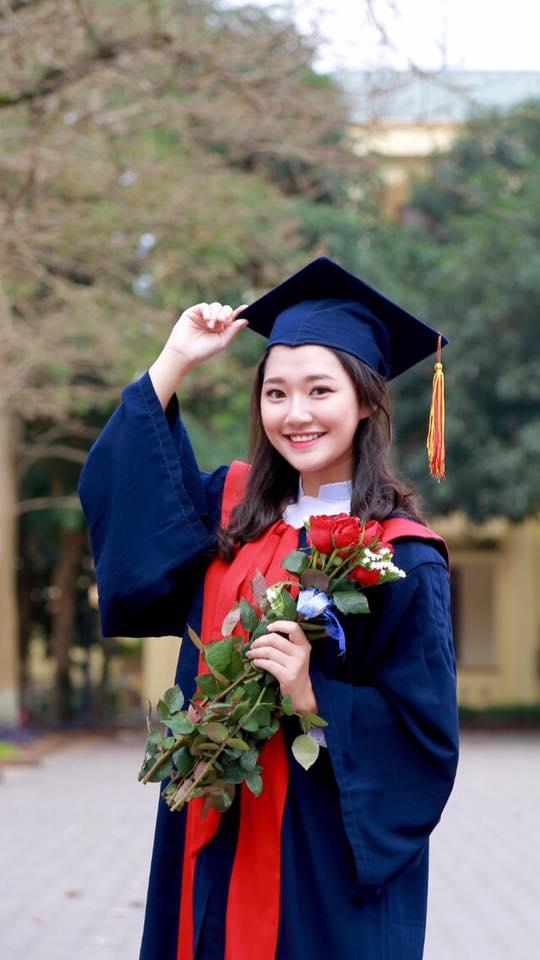 Nữ sinh Nghệ An xinh đẹp đạt 9.75 điểm môn Văn, được tuyển thẳng vào ĐH Sư phạm Hà Nội - Ảnh 2.