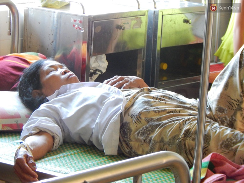 27 người nhập viện cấp cứu sau khi ăn bánh tét trong đám ma - Ảnh 3.