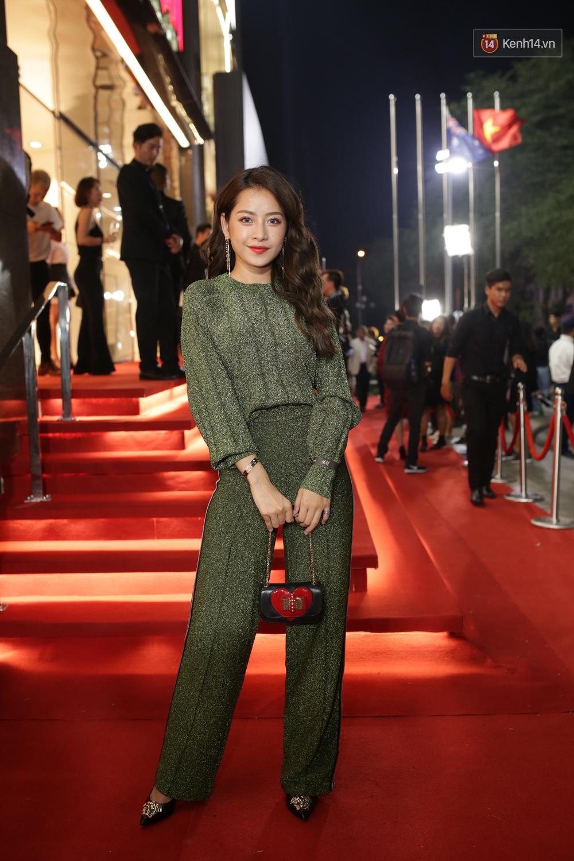 Angela Phương Trinh & Chi Pu quá đỗi sành điệu, công phá thảm đỏ sự kiện ra mắt H&M Việt Nam - Ảnh 4.