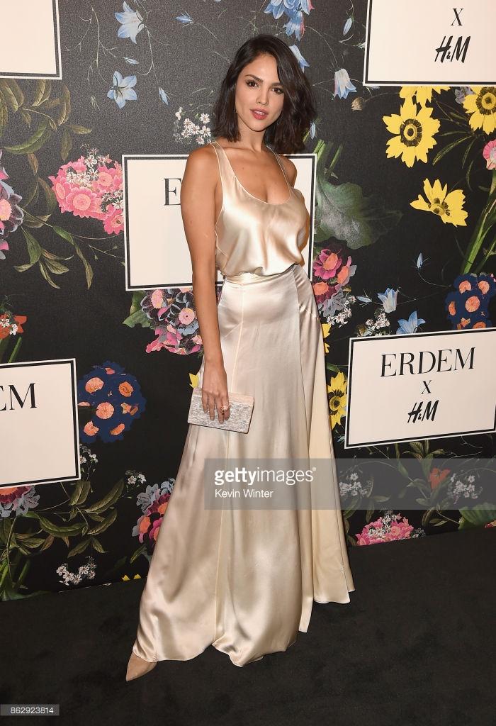 Chi Pu diện style lạ, trò chuyện vui vẻ với Tiffany trong sự kiện ra mắt BST H&M x ERDEM tại Mỹ - Ảnh 20.