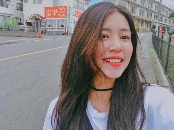 4 hot girl Việt sở hữu nụ cười đẹp tự nhiên không thể rời mắt - Ảnh 1.