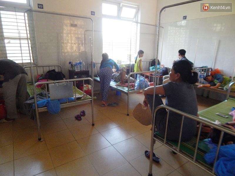 27 người nhập viện cấp cứu sau khi ăn bánh tét trong đám ma - Ảnh 1.