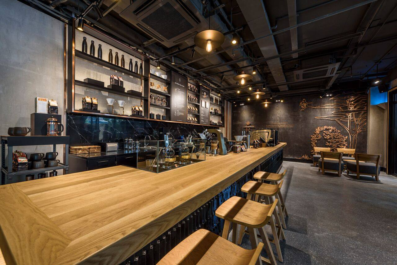 Một quán Starbucks hoành tráng đã thay thế Highlands Nhà Thờ - nơi bao hot boy, hot girl Hà Nội đã từng check-in! - Ảnh 8.