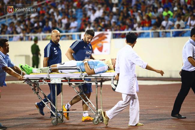 Cầu thủ Argentina nhập viện khẩn cấp sau pha tranh chấp với cầu thủ U22 Việt Nam - Ảnh 2.