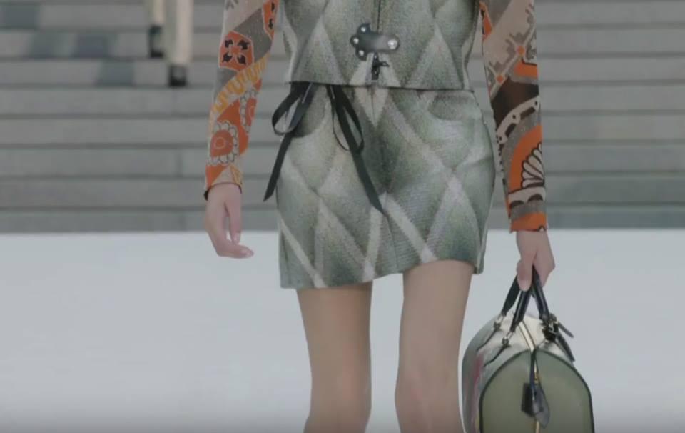 Người mẫu tố bị Louis Vuitton bắt chỉ được uống nước 24 giờ, rồi vẫn tống cổ vì... quá béo - Ảnh 4.