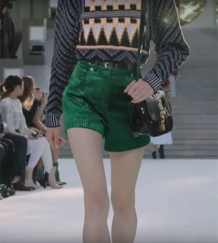 Người mẫu tố bị Louis Vuitton bắt chỉ được uống nước 24 giờ, rồi vẫn tống cổ vì... quá béo - Ảnh 5.