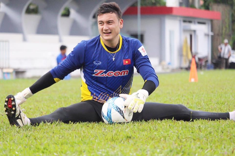 Vẻ đẹp lai của Lâm Tây, thủ thành số 1 đội tuyển Việt Nam - Ảnh 7.