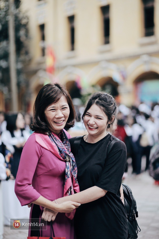 Trường Phan Đình Phùng: Không chỉ hotboy cầm cờ, cô bạn lai này cũng gây chú ý vì rất đáng yêu - Ảnh 6.