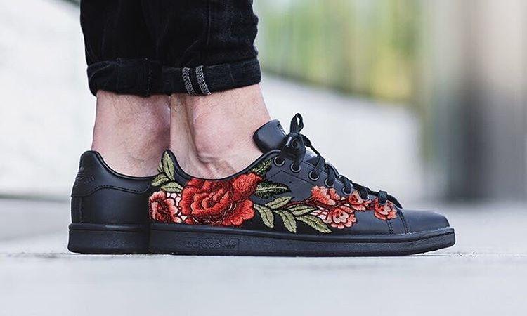 Giày sneaker thêu, xu hướng hoa hòe hoa sói mà bạn cứ lướt Instagram là gặp thời gian này - Ảnh 16.