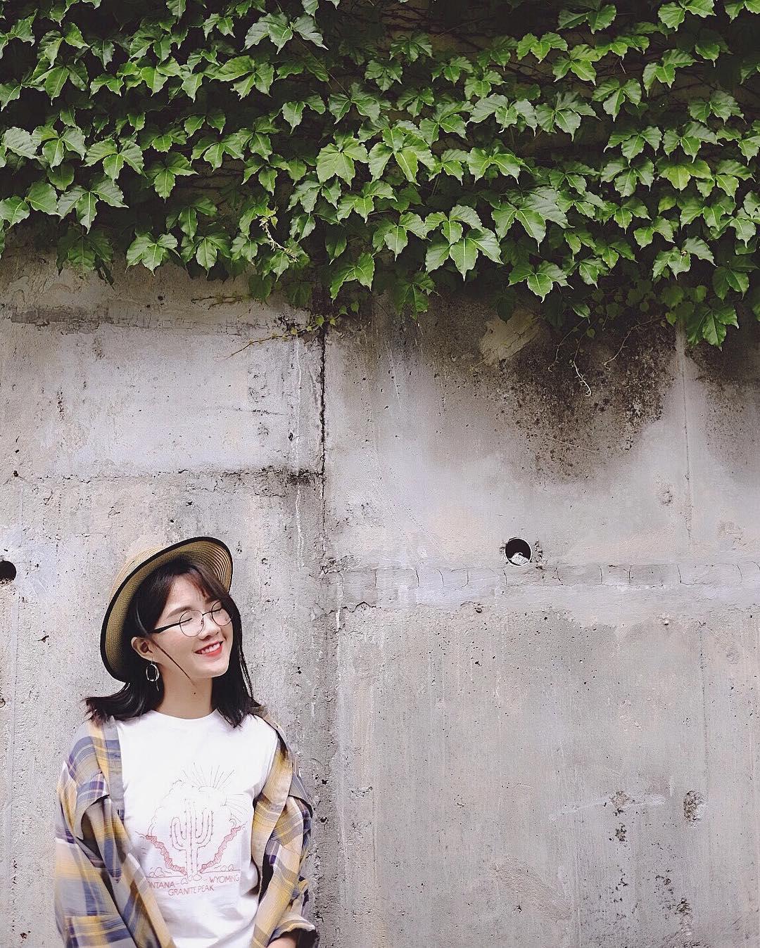 Con gái châu Á đang đồng loạt diện kính cận gọng tròn mọt sách cute siêu cấp - Ảnh 14.