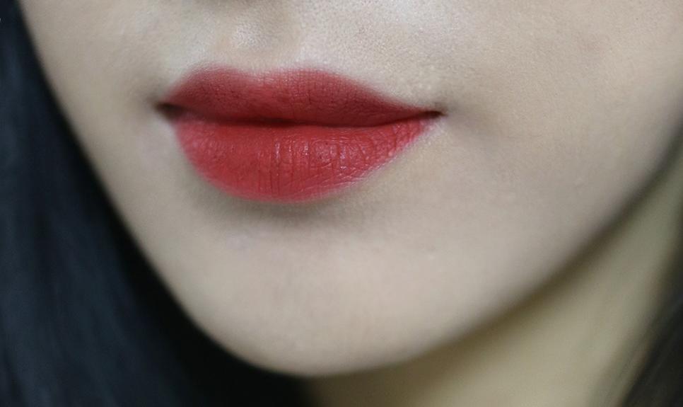 MAC Chili, màu son đỏ tương ớt đẹp mê mẩn cực hợp diện mùa thu đang khiến con gái châu Á đắm đuối - Ảnh 17.