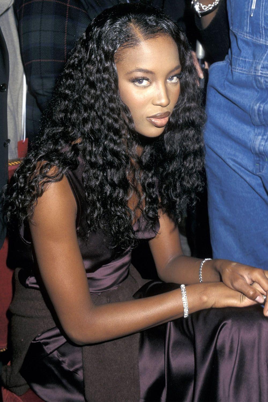 Cách makeup của thiên thần Victorias Secret 2 thập kỷ qua: luôn đơn giản, tự nhiên nhưng sexy đến tột cùng - Ảnh 2.