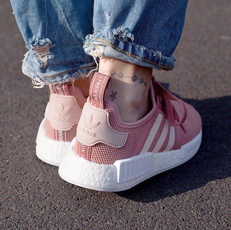 8/3 mà được tặng 1 trong 4 đôi sneaker màu hường siêu xinh này thì tuyệt vời ông mặt trời! - Ảnh 5.
