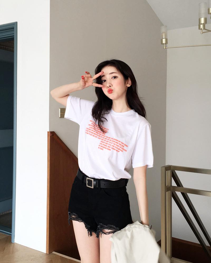 Mùa hè nhất định phải mặc jean shorts rồi, mix thế nào cũng đẹp ngất ngây thế này kia mà! - Ảnh 4.