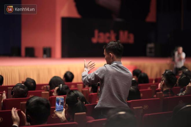 """Chàng trai fan cuồng"""" trong talkshow với Jack Ma tiết lộ: Bạn bè ai cũng nói tôi giống ông ấy! - Ảnh 2."""