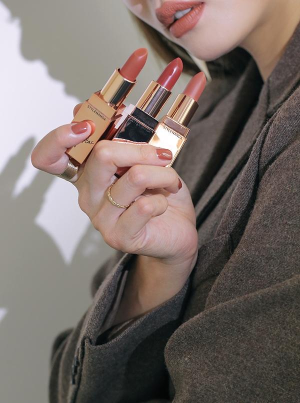 Loạt shop mỹ phẩm vạch mặt son 3CE fake: Son chính hãng thường khan hàng và không thể có giá dưới 200 ngàn đồng - Ảnh 7.