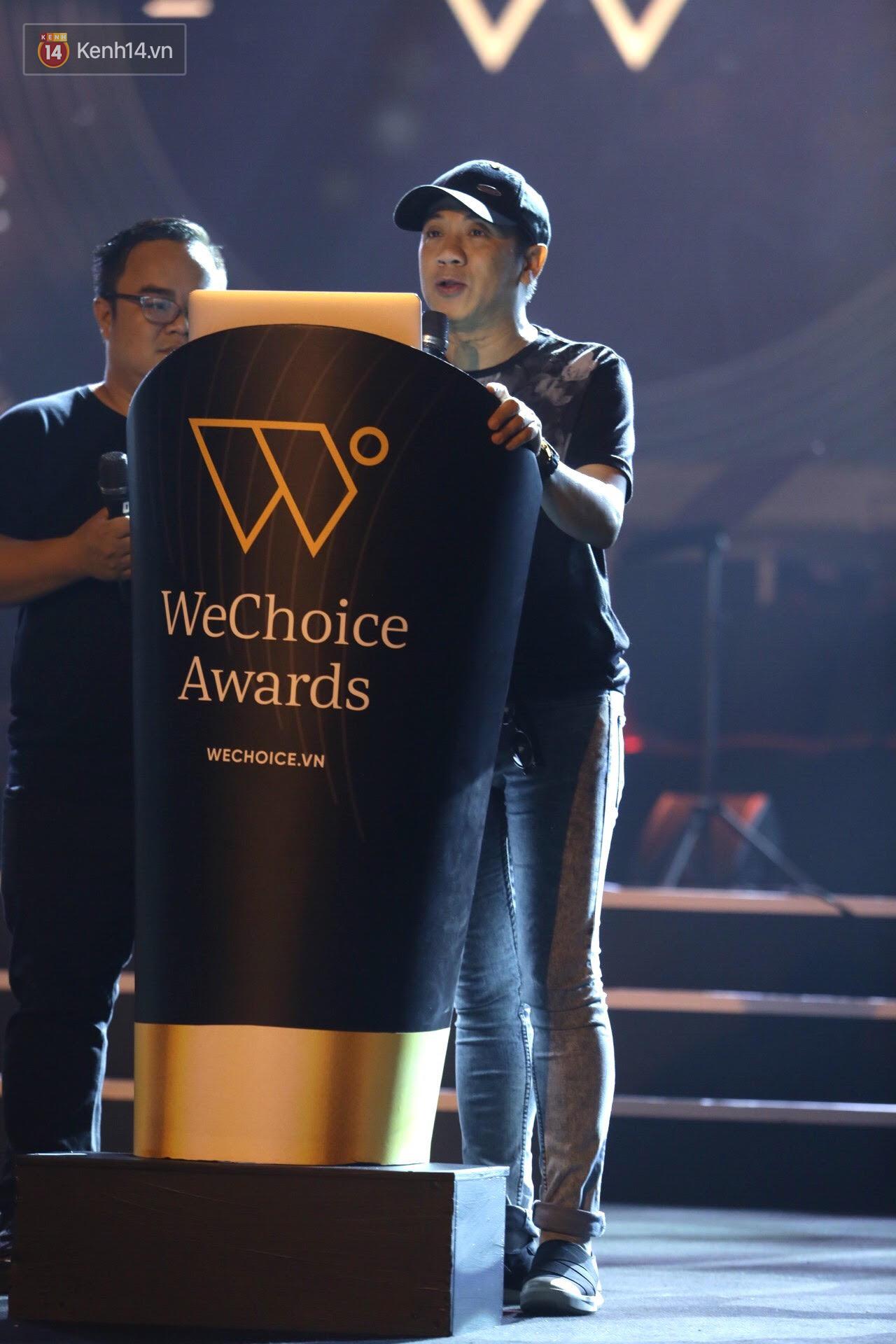 Diva Hồng Nhung gây xúc động, trình diễn như lên đồng tại buổi tổng duyệt Gala WeChoice Awards 2016 - Ảnh 9.