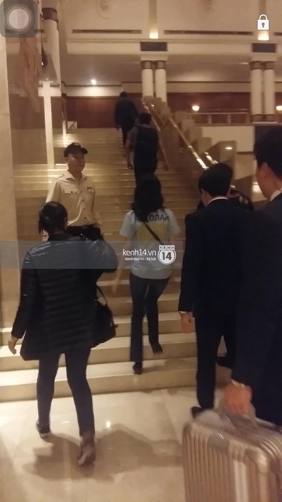 Yoona thay trang phục năng động trở về khách sạn nghỉ ngơi trước khi ra sân bay - Ảnh 8.