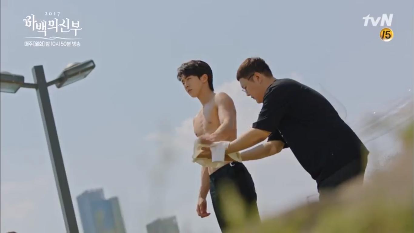 """""""Cô Dâu Thủy Thần"""": Nam Joo Hyuk là Hà Bá nhưng lại biết bay, xịn chưa! - Ảnh 8."""