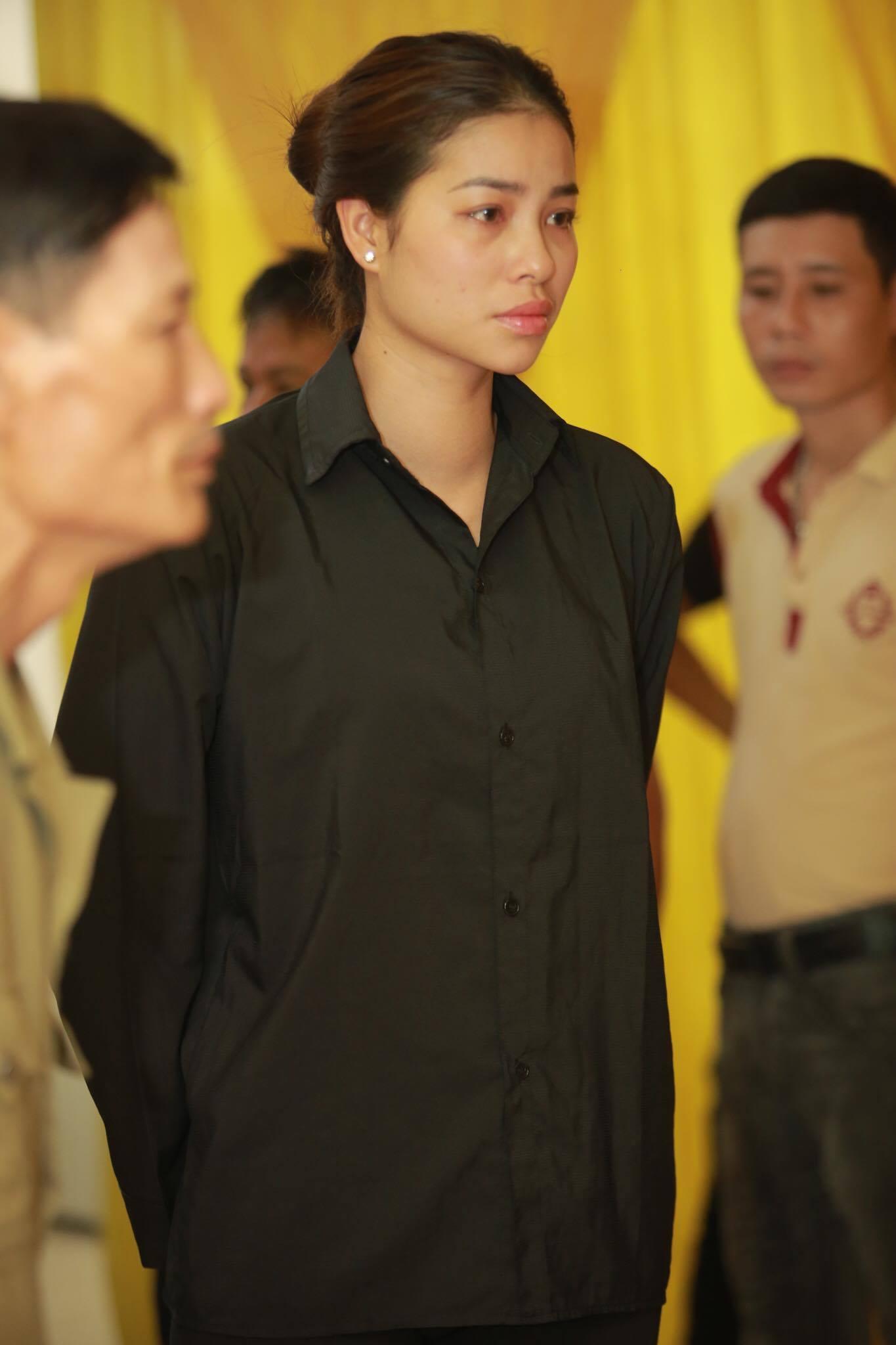 Phạm Hương suy nhược đến kiệt sức phải truyền nước - Ảnh 2.