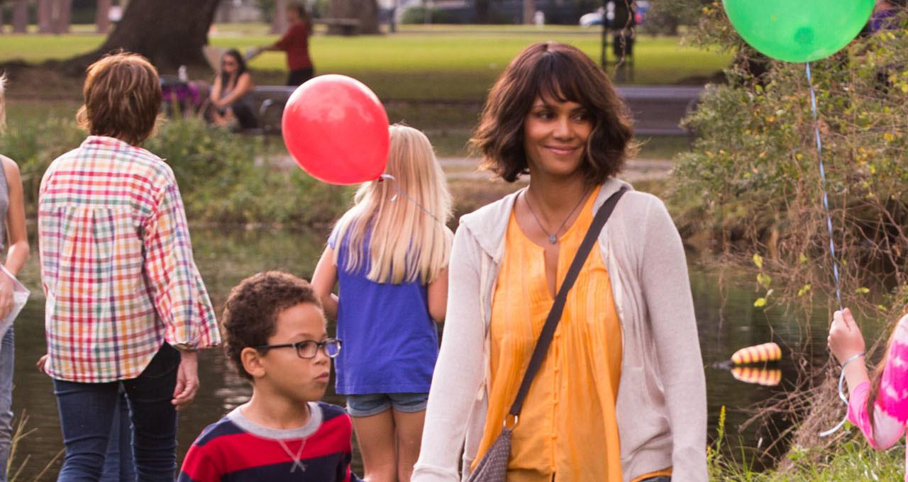 Hoa hồng đen Halle Berry liều lĩnh giải cứu con trai trong Kidnap - Ảnh 2.