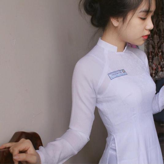 Con gái Việt vẫn xinh đẹp và dịu dàng nhất khi mặc áo dài trắng! - Ảnh 14.