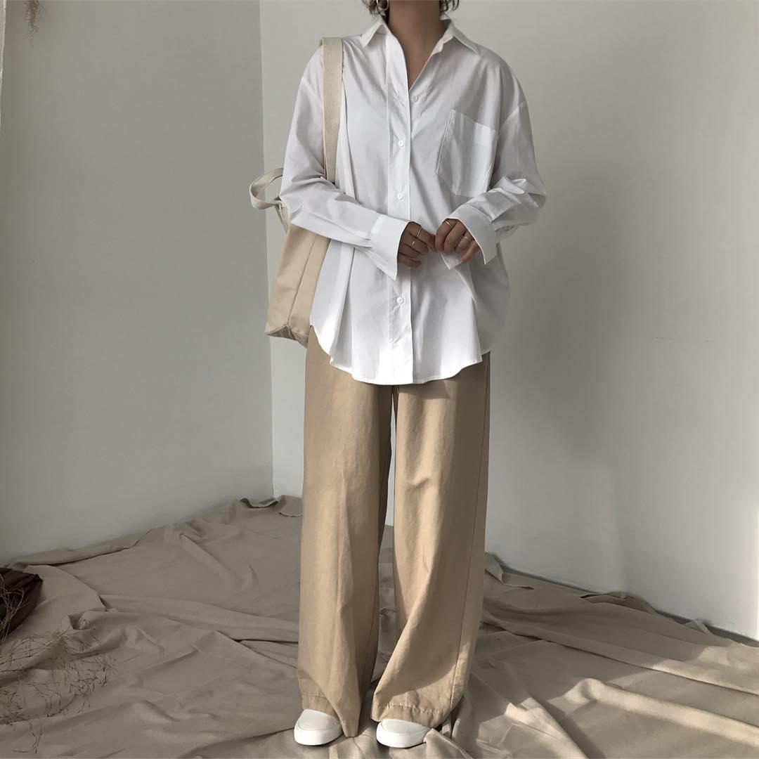 Ngạc nhiên chưa: Quần khaki ống rộng thời của bố mà Sơn Tùng từng mặc đang là hot trend của con gái khắp châu Á - Ảnh 2.