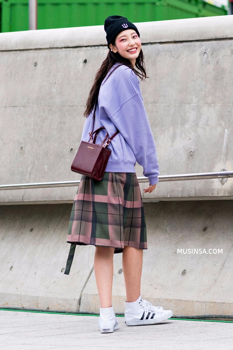 Chỉ dạo phố mà giới trẻ Hàn vẫn lên đồ đẹp hết nấc, không học hỏi đôi chút thì quả là phí - Ảnh 2.