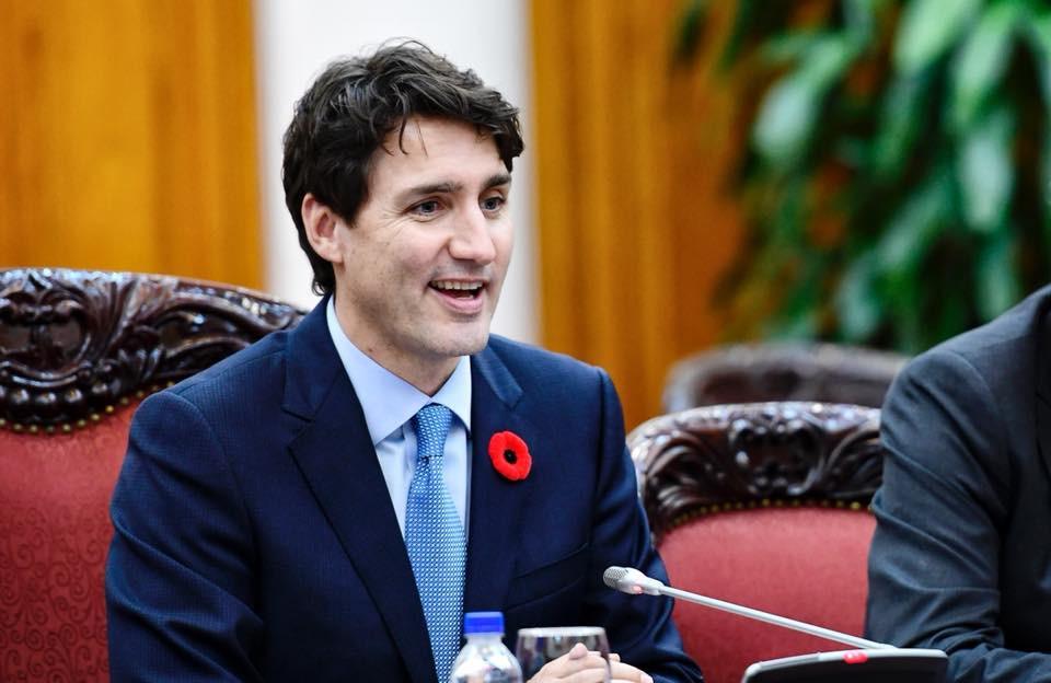 Nổi tiếng bởi vẻ điển trai và lịch lãm, khi đặt chân tới Việt Nam, Thủ tướng Canada lại càng khiến mọi người phải trầm trồ - Ảnh 9.