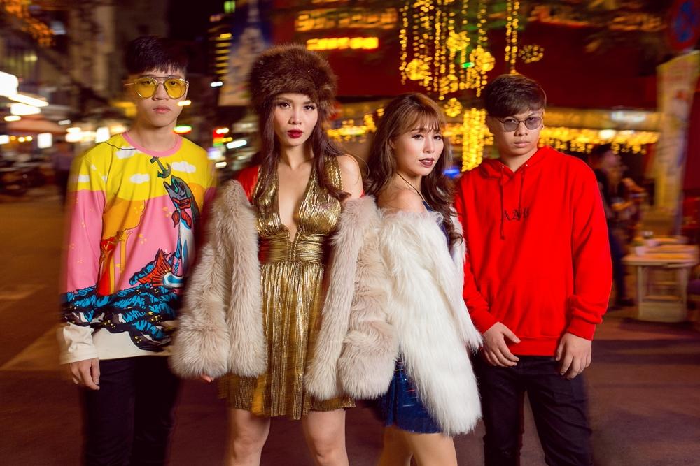 Team Yến Trang tung bộ ảnh streetstyle cực chất trước đêm thi The Remix - Ảnh 15.