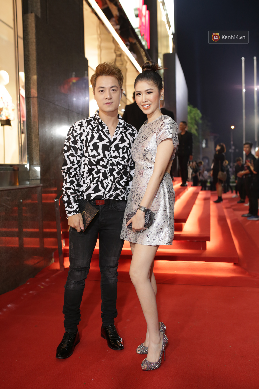 Angela Phương Trinh & Chi Pu quá đỗi sành điệu, công phá thảm đỏ sự kiện ra mắt H&M Việt Nam - Ảnh 31.