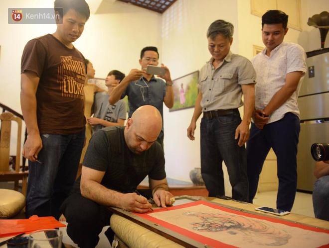 Cao thủ Vịnh Xuân Flores đến tận nhà, tặng quà cho võ sư Đoàn Bảo Châu - Ảnh 7.