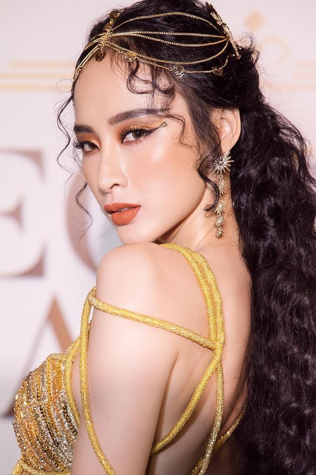 """Angela Phương Trinh - Nổi bật với bộ váy rườm rà như Nữ thần """"ngoi lên từ biển"""" - Ảnh 3."""