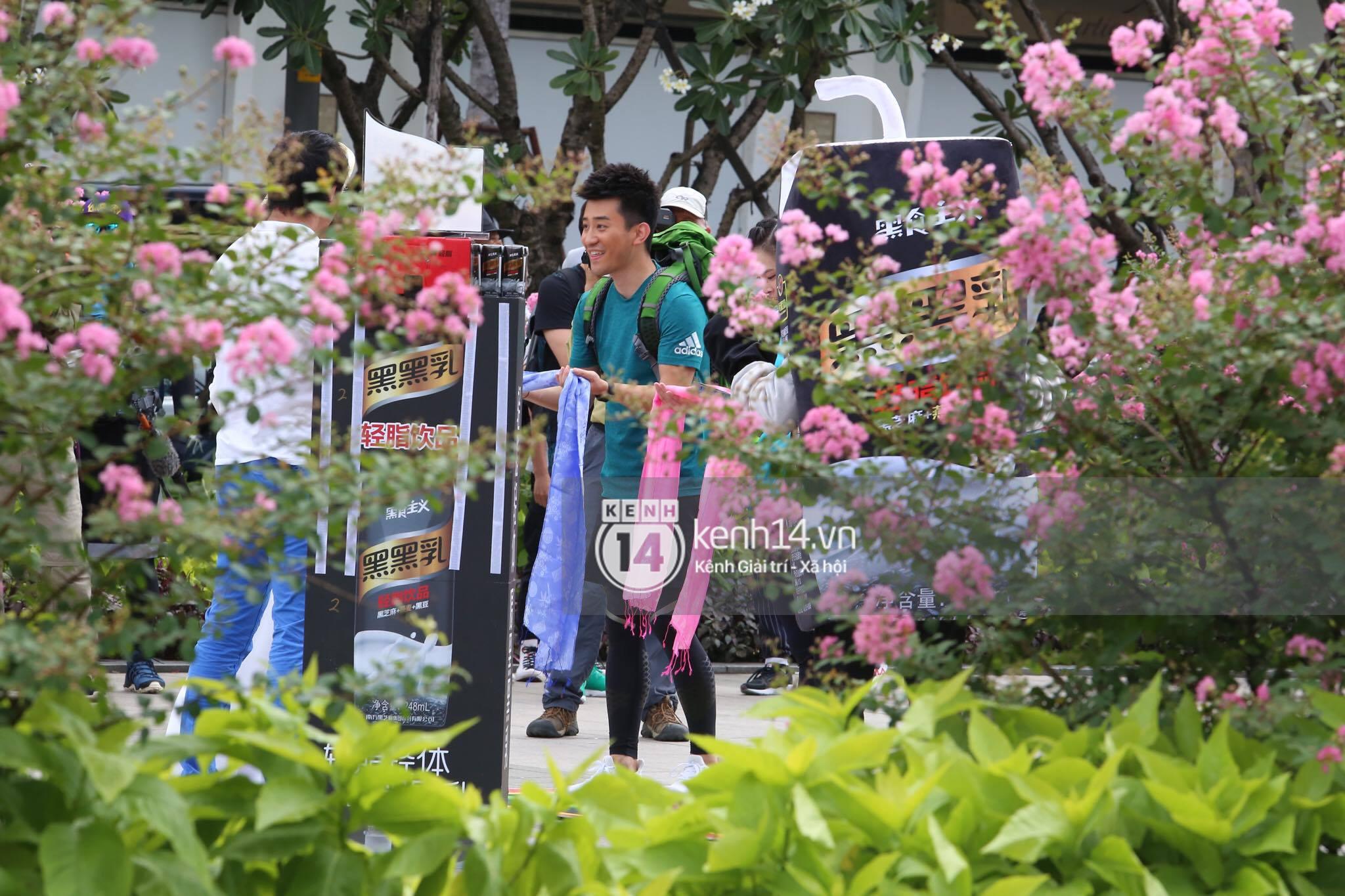 Amazing Race Trung Quốc tại Việt Nam: Vương Lệ Khôn - Trịnh Nguyên Sướng mặc áo dài, kiệt sức dưới trời nắng - Ảnh 29.
