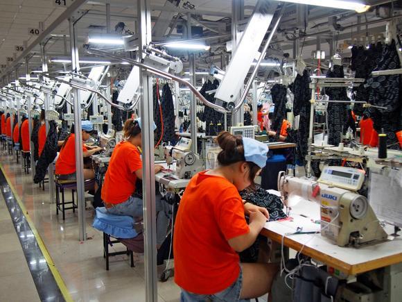 H&M, Zara và Uniqlo: Đều là thời trang bình dân, tưởng giống nhau mà thực ra lại rất khác! - Ảnh 10.