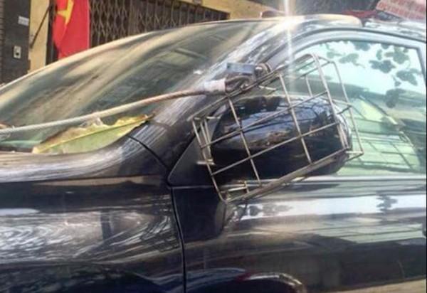 Năm hết tết đến, xe hơi độ gương xuất hiện đầy đường vì gương xịn đã bị bẻ trộm - Ảnh 6.