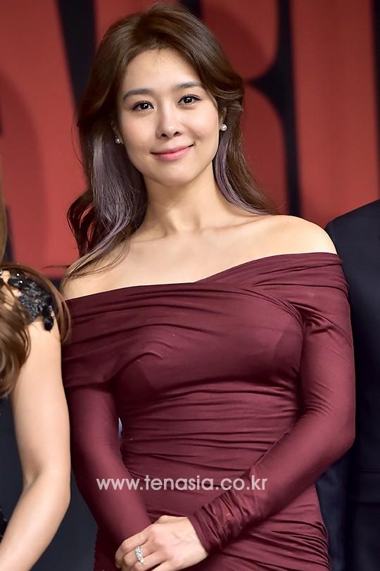 Cặp đôi vàng Song Joong Ki và Song Hye Kyo cùng loạt sao hạng A rạng rỡ đến ủng hộ nữ ca sĩ quyền lực - Ảnh 4.