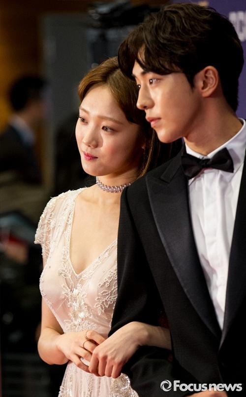 Những khoảnh khắc tình bể bình minh chứng cặp đôi YG Lee Sung Kyung và Nam Joo Hyuk là chân ái - Ảnh 8.