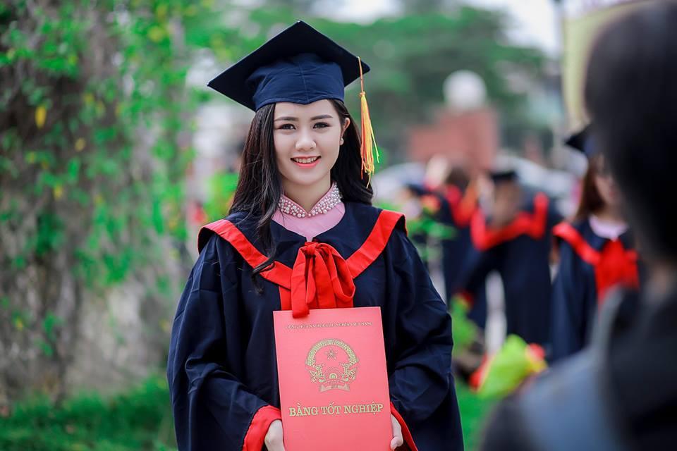 Trung vệ điển trai Quế Ngọc Hải sắp cưới Hoa khôi Đại học Vinh - Ảnh 2.
