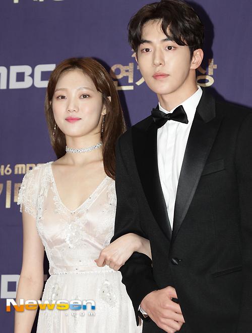 Báo Hàn đồng loạt đăng tải tin Lee Sung Kyung hẹn hò Nam Joo Hyuk được 5 tháng - Ảnh 3.