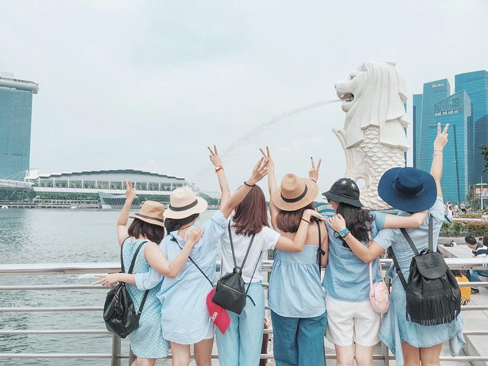 Đi du lịch với đám bạn thân, nhất định phải chơi 10 kiểu chụp ảnh này để có album sống ảo nghìn like! - Ảnh 33.