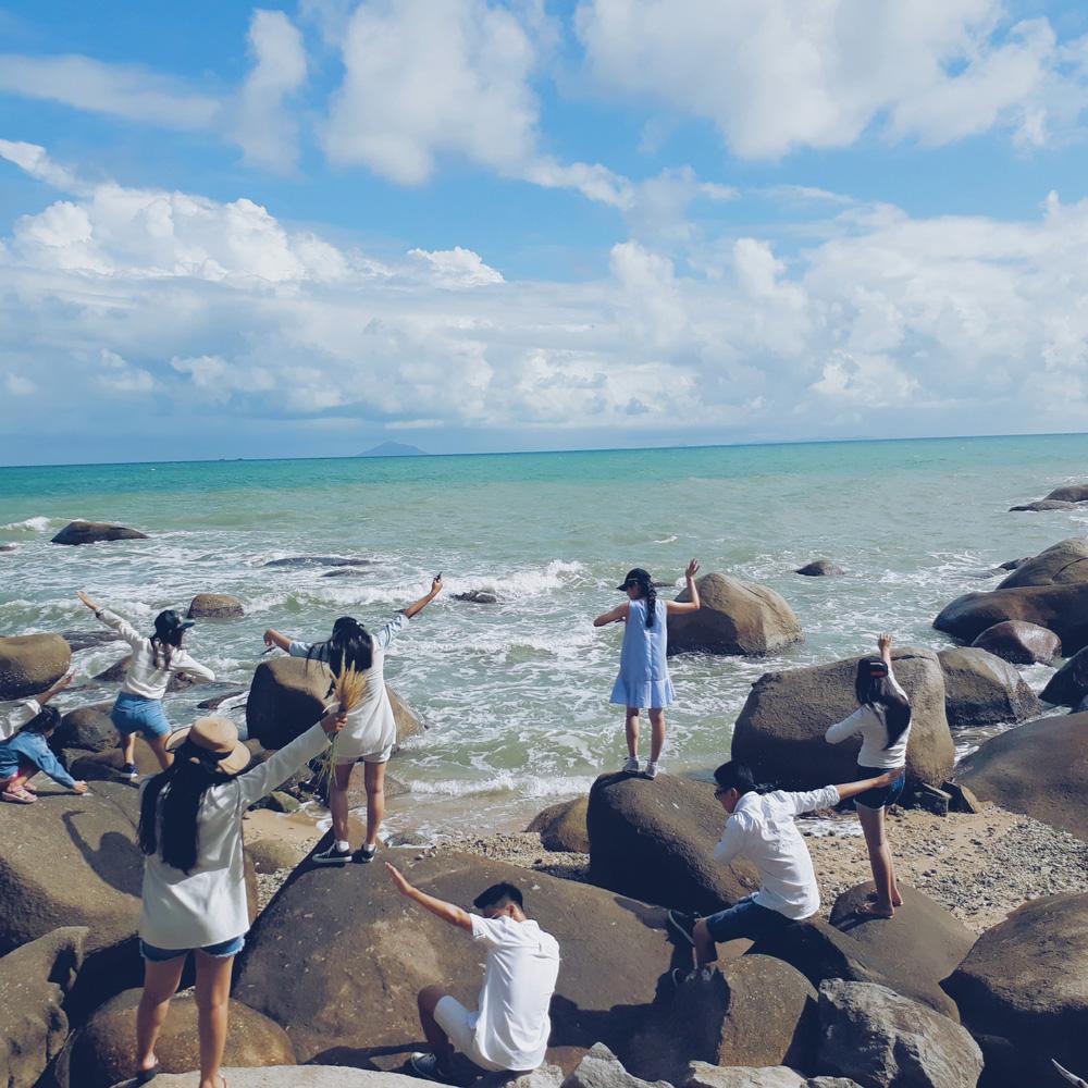 Đi du lịch với đám bạn thân, nhất định phải chơi 10 kiểu chụp ảnh