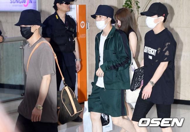 Cuộc chiến nhan sắc sân bay: SNSD có đủ sức đánh bại được chân dài đình đám Seolhyun (AOA)? - Ảnh 20.