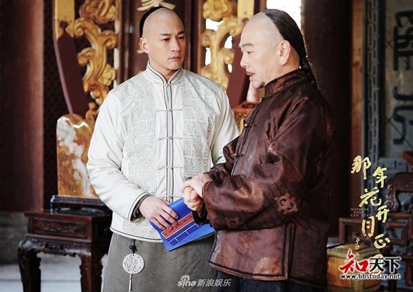 Hồ Hạnh Nhi lại muốn trở thành vợ của Hà Nhuận Đông sau lần từ chối lên kiệu hoa của anh trong phim Năm ấy hoa nở trăng vừa tròn